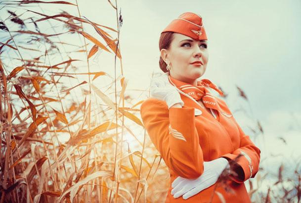 Красивая русская девушка - стюардесса аэрофлота