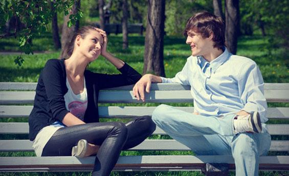 Фото девушка рада когда парень с ней знакомится