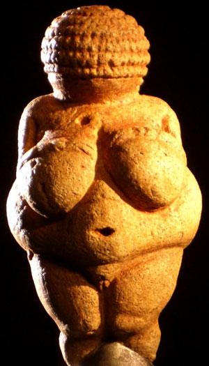 Эталон женской красоты в древности - плодородие
